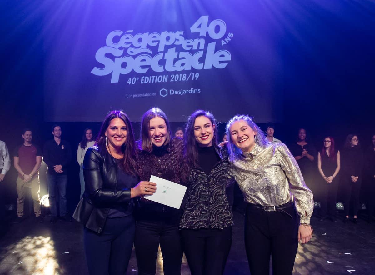 Violette Lapierre au piano, Mélissa Doucet à la basse et Claudie Létourneau à la guitare et voix remportent la Finale régionale de Cégep en spectacle, 2019