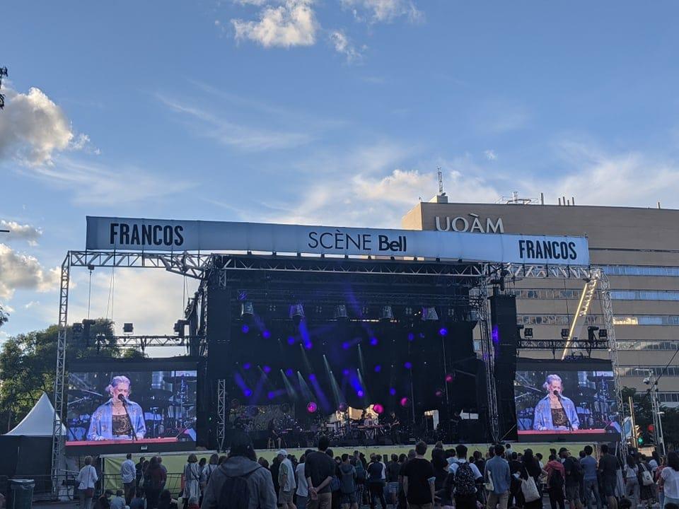 live-aux-francos-claudie-letourneau-scene